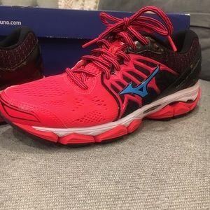 Mizuno running sneakers